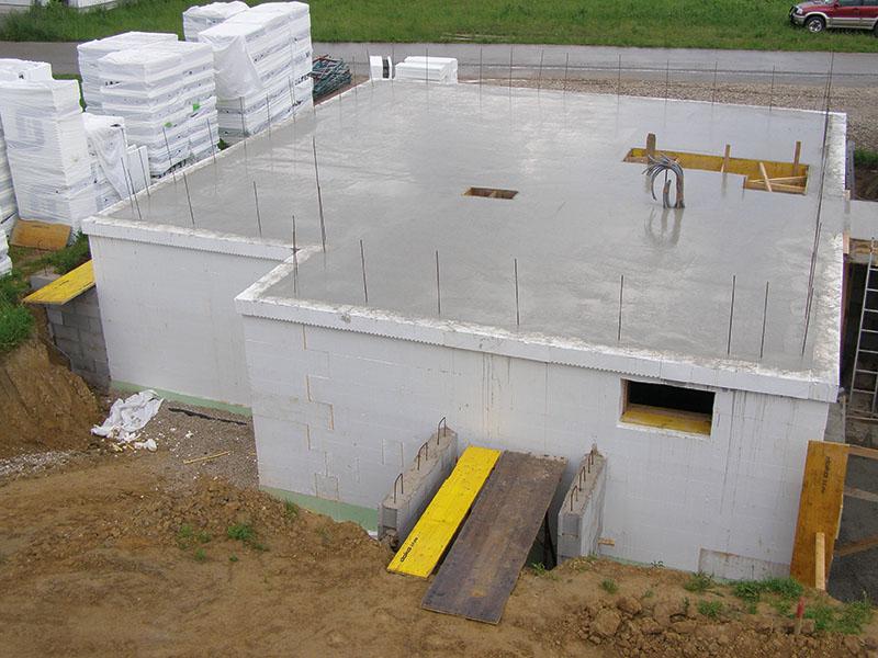 fertig betonierte Kellerdecke