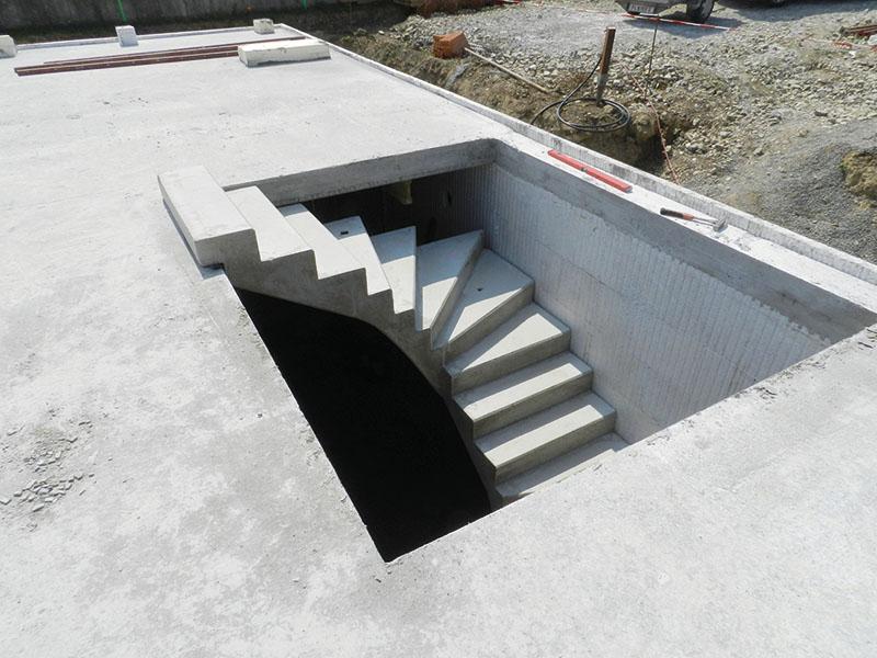 Deckenöffnung mit Treppe